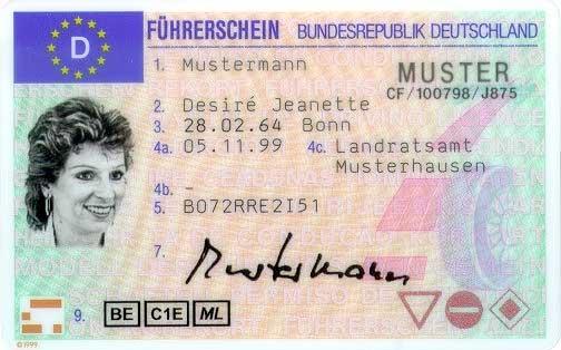 Reichtes, den Führerschein und den Fahrzeugschein in Kopie mitzuführen